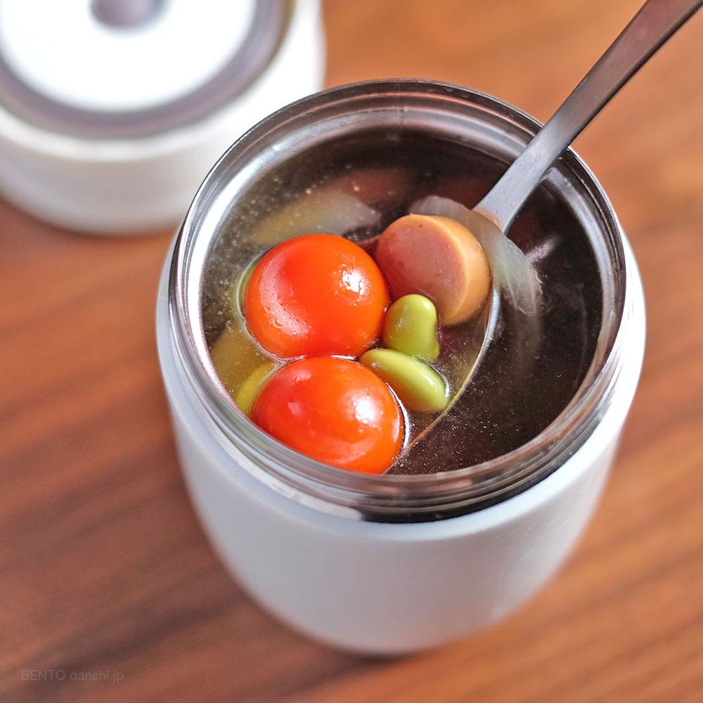 簡単節約楽チン、スープジャーレシピ。ウィンナーと豆のコンソメ
