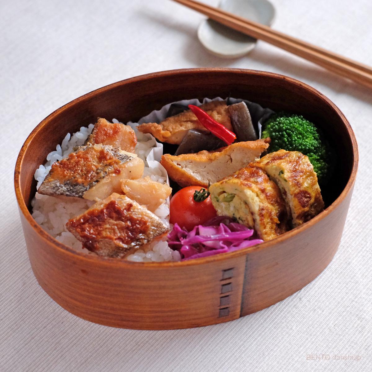 作り置きで簡単お弁当、たらの照り焼きとこんにゃくと厚揚げの炒り煮弁当
