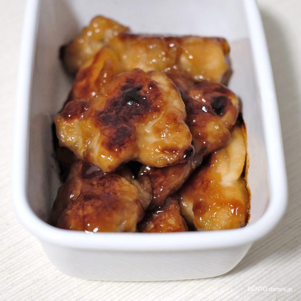 『揚げない濃厚チキン南蛮』は最高にご飯がすすむ君!メインのおかず、作り置き常備菜で冷凍保存しても◎な優秀レシピ。