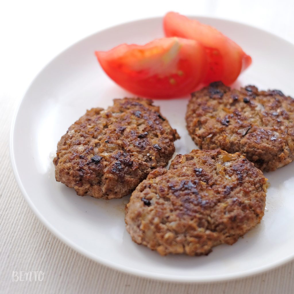 卵もパン粉も使わない『超簡単ハンバーグ』。常備菜・作り置きにピッタリの基本のハンバーグです。