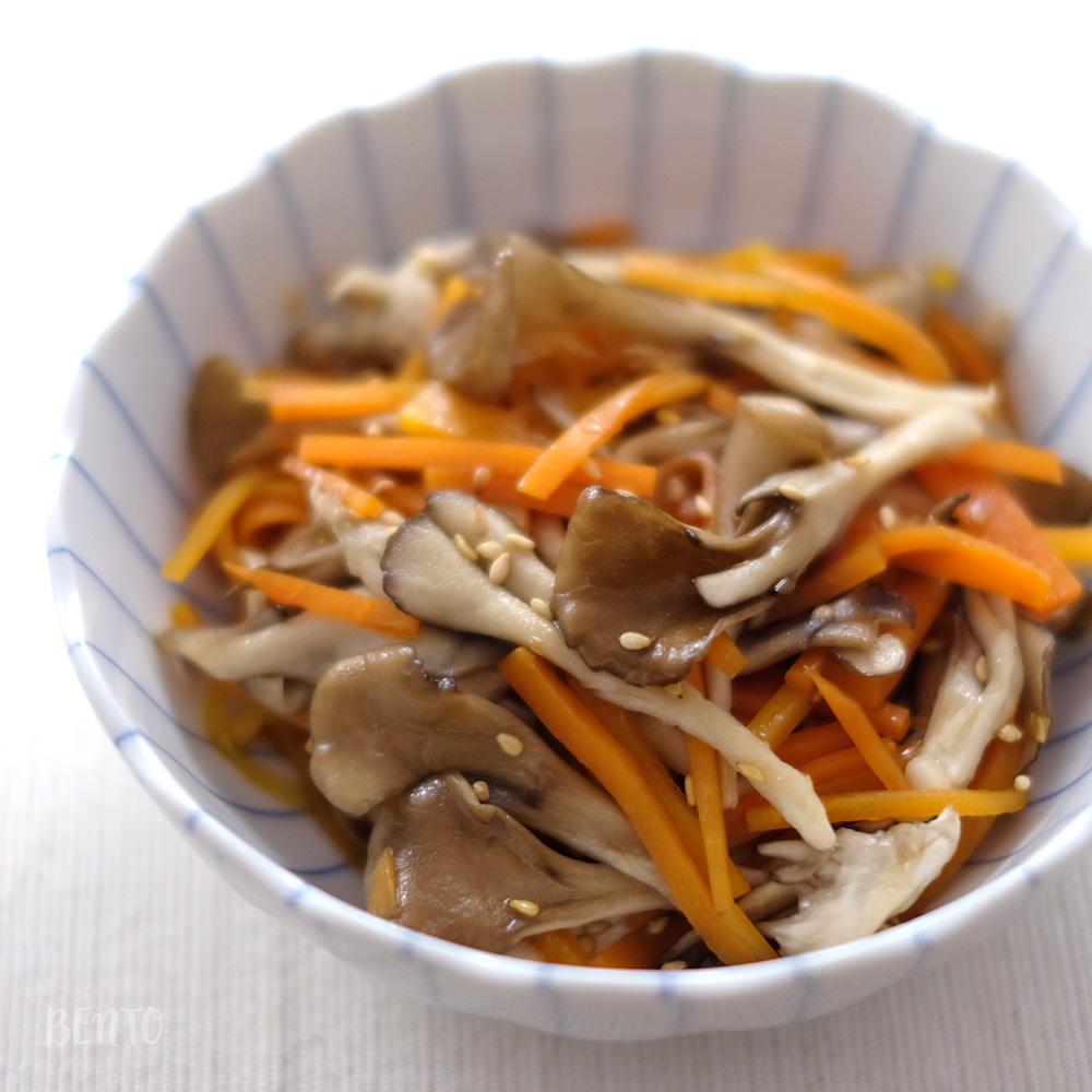 レンジで完成!『人参と舞茸のきんぴら』は、一品ちょい足しにも便利な作り置き常備菜レシピ。