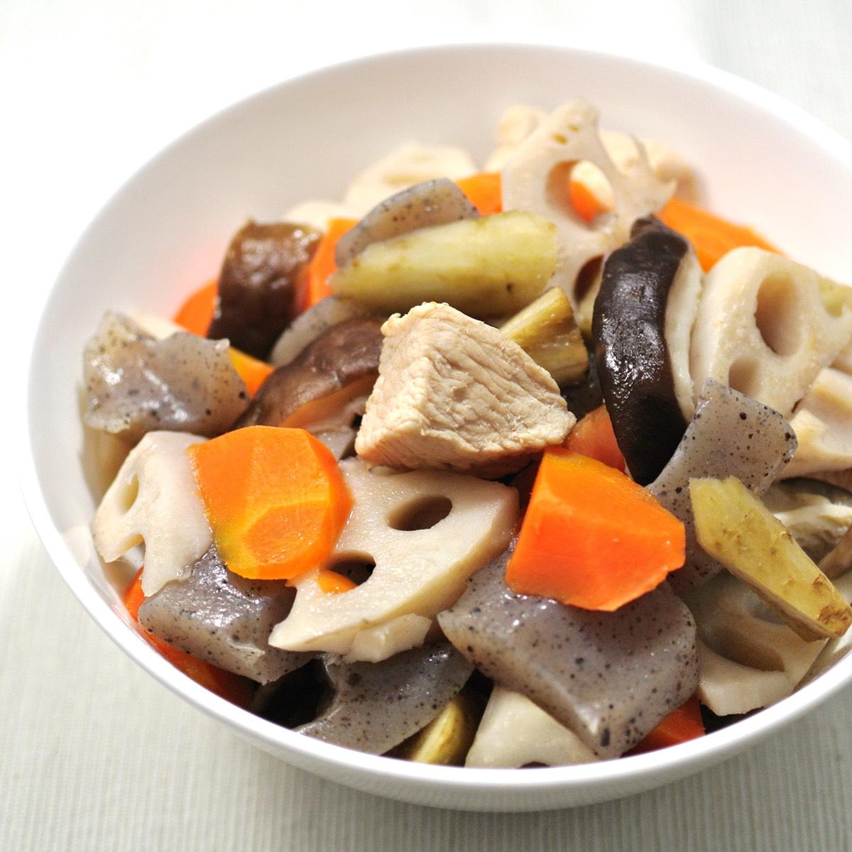 白だしで作る『かんたん筑前煮』。冬の作り置き・常備菜にピッタリのレシピ。