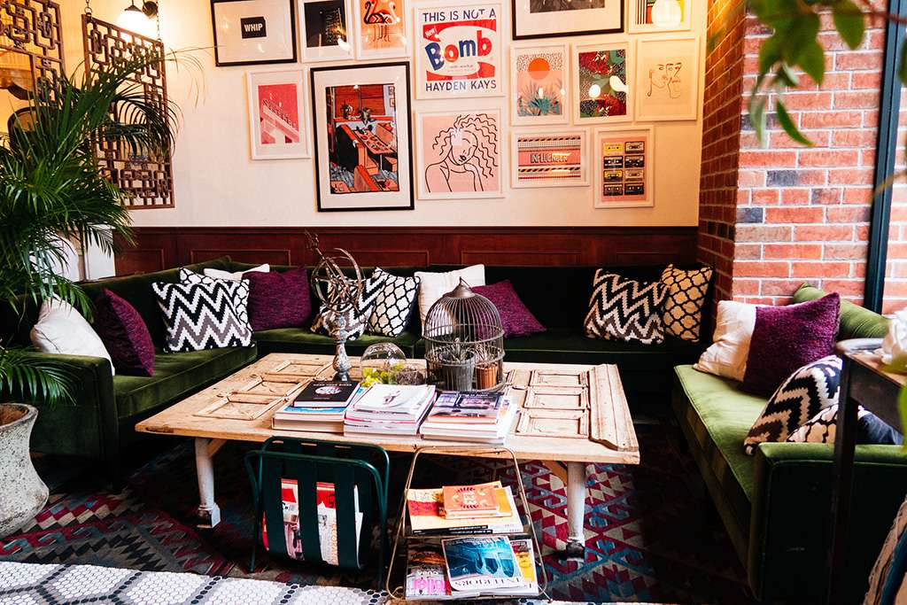 CAFE SIK(カフェ シック)の外観・内観写真、メニュー、アクセス、レビュー(口コミ・評価)。